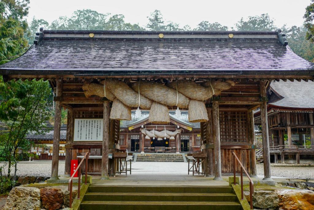 熊野神社、楼門©2019 仰木一弘 wih LeicaQ