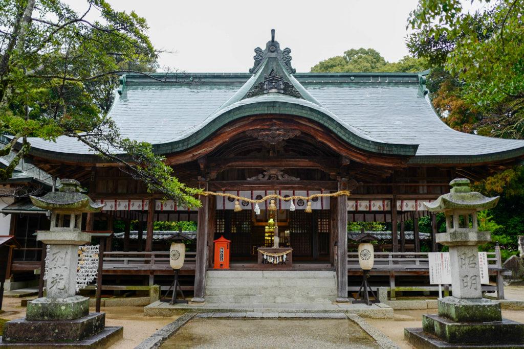玉祖神社、拝殿©2019 仰木一弘 wih LeicaQ