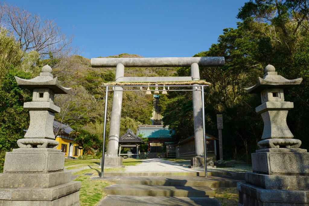 洲崎神社、鳥居 ©2019 仰木一弘 with LeicaQ